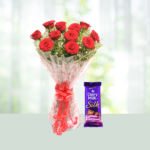 Flowers-Bouquet-of-Roses-with-Chocolates.jpg