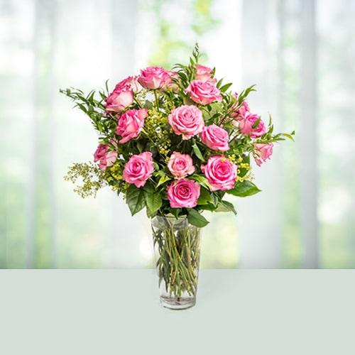 flowers-beauty-in-glass-vase.jpg