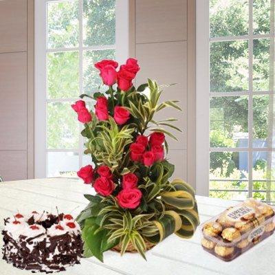 pw-basket-redroses-ferrero-blackforestcake.jpg