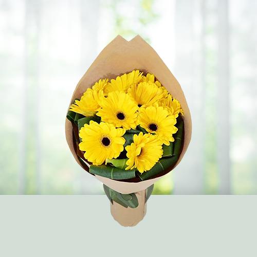 8 Yellow Gerbera Flowers Bouquet