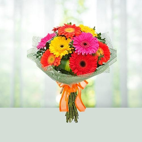 Elegant Flowers Bouquet of Gerbera