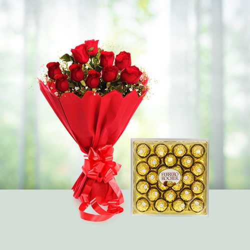 12 Red Roses Bouquet N 24 Ferrero