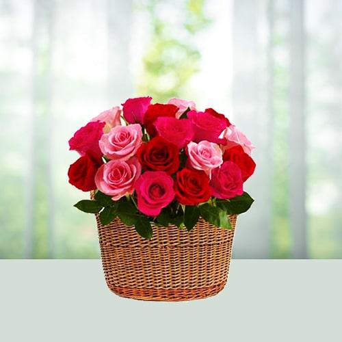 Pink n red rose basket