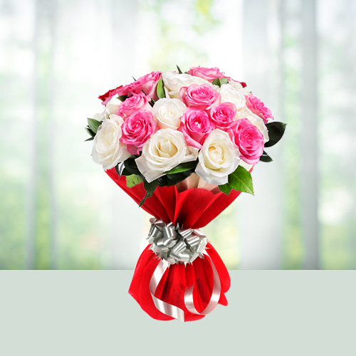 Flowers Bouquet of 12 White and Pink Roses