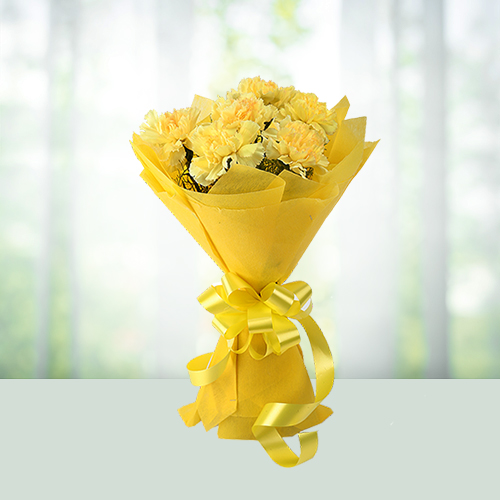 12 yellow carnations bouqet