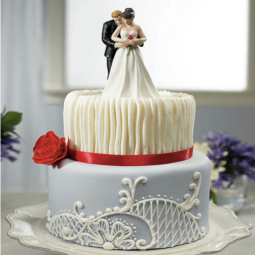 Luxury Royal Couple Cake