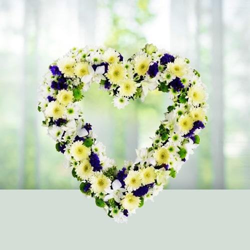 Roses n gerbera wreath arrangement