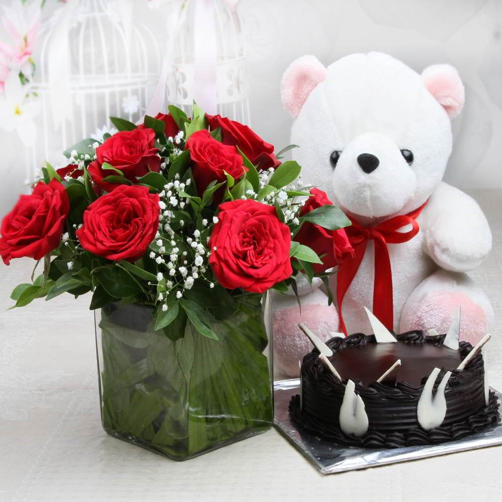 Send Gift-Spendid Red Rose and Dark Chocolate Cake Combo