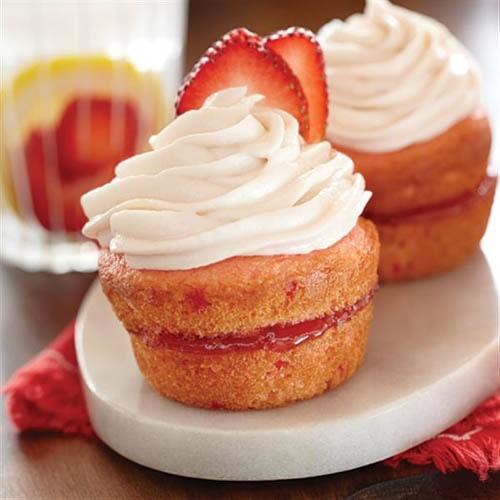 Vanilla-Strawberry Cup Cakes