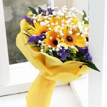 10 Gerberas Bouquet