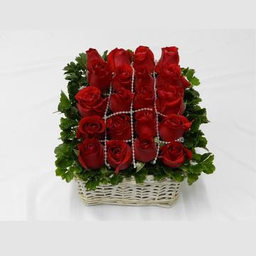 Roses Table Flower