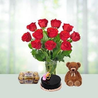 Lavish Flower N Cake Combo