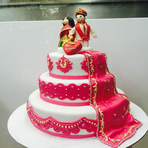 Couple wedding Fondant Cake