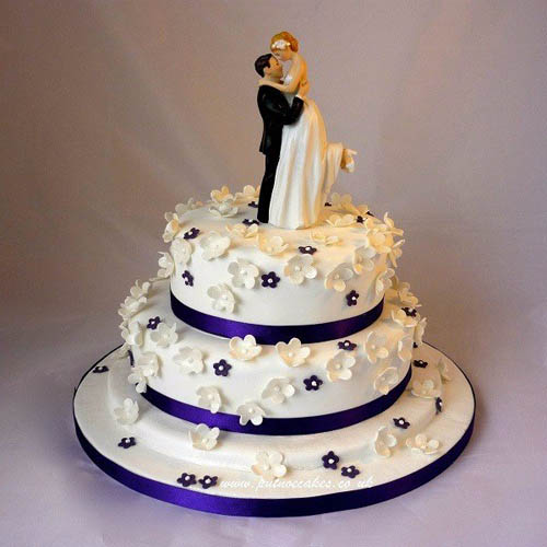 Themed Couple Wedding Cake