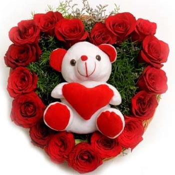 25-red-roses-heart-teddy.jpg