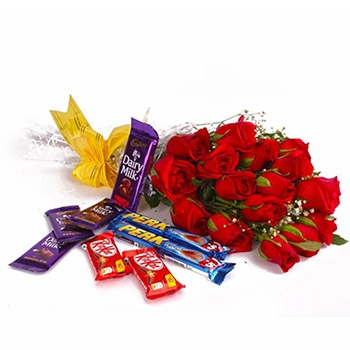 Roses-with-assorted-Chocolates.jpg