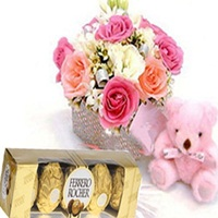 Flowers Basket of Gifts-online flower delivery in Delhi