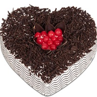 2Kg Blackforest Heart Shape Cake